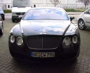 Zwarte Bentley